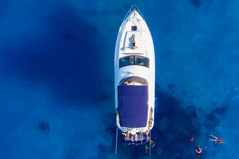 Private Luxury Yacht Chater